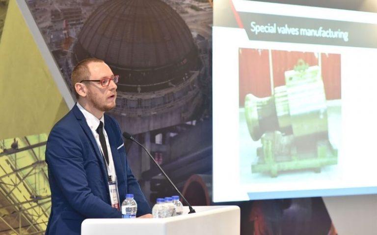 Fabien Berrier reflexiona sobre la industria nuclear en Cantabria